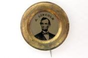 See more buttons at http://buttonmuseum.org!