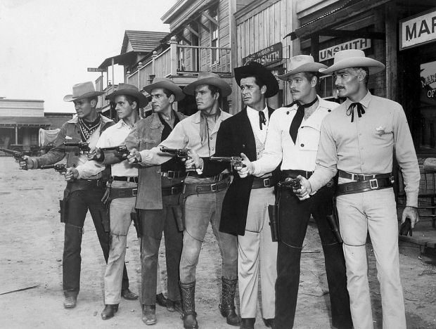 1024px-Warner_Brothers_television_westerns_stars_1959